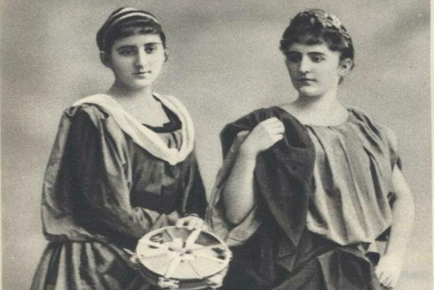 черногорки Милица и Стана