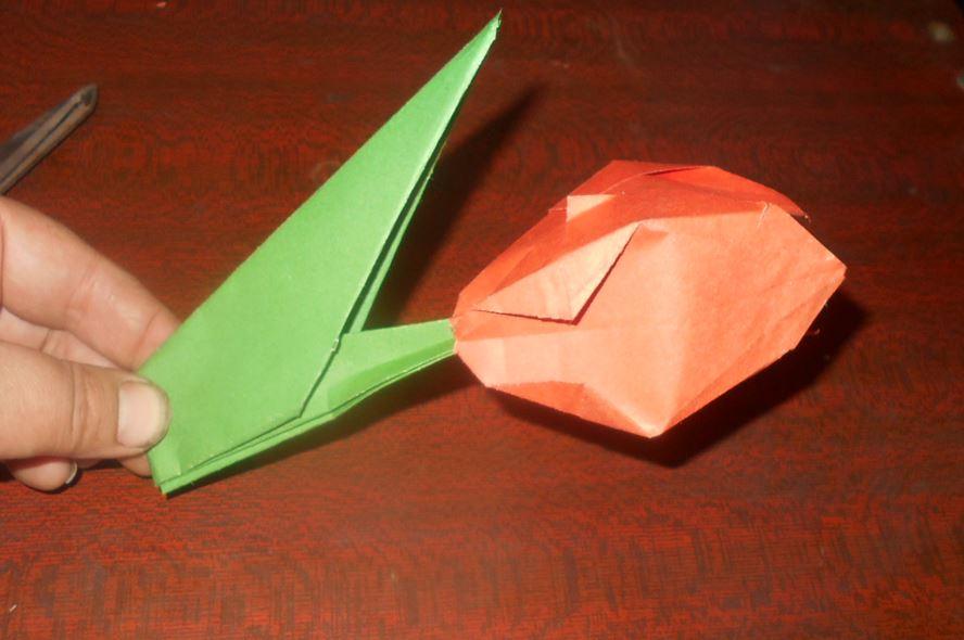 тюльпан из бумаги в сборке