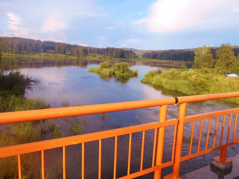 вид с моста через Суенгу