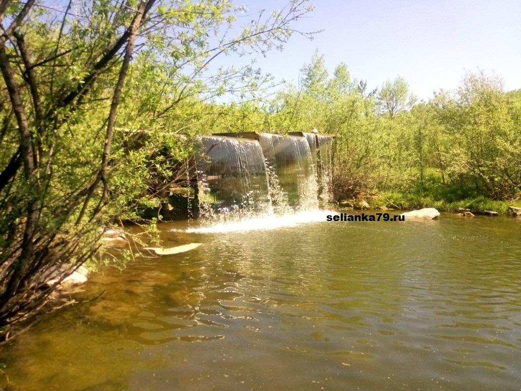 стеклянный водопад