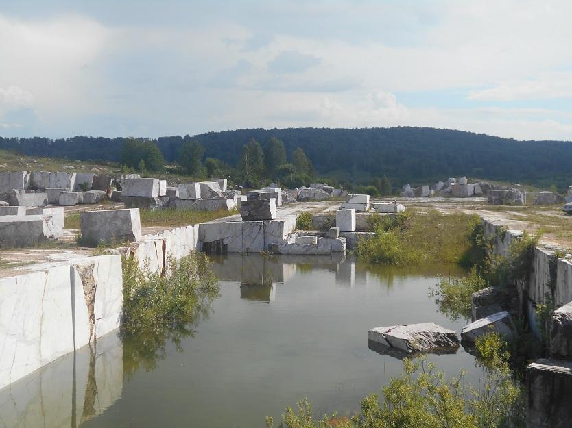 мраморный карьер в Петенях