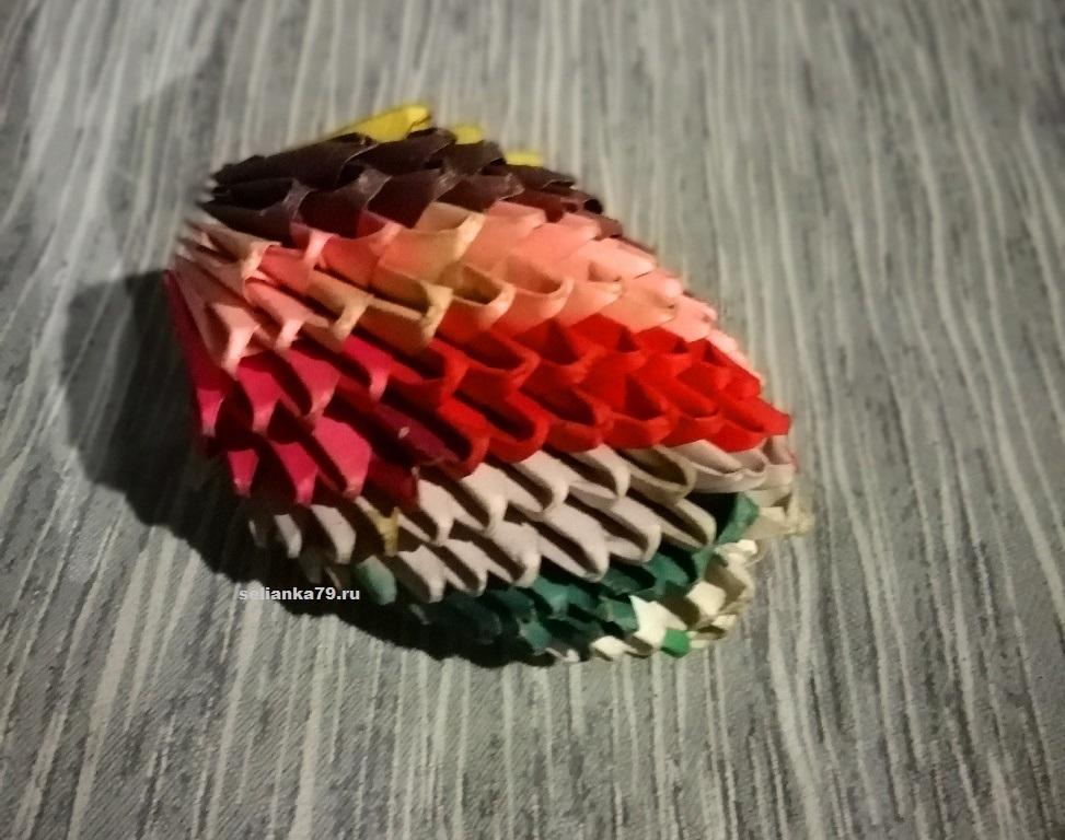 яйцо из бумажных треугольников