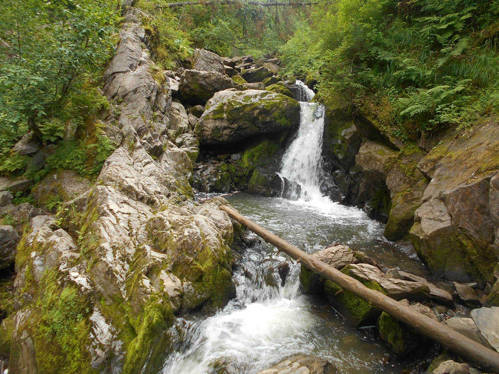 Водопад в Артыбаше.